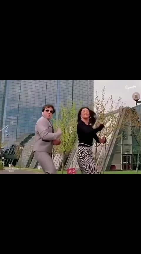 One love govinda sir😍 #bollywooddance  #viral #trendy #comedy #100k  #likeforfollow #followus #share