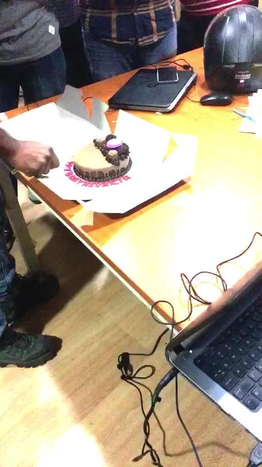 Happy Birthday Revanth😀🎂🍫 Revanth Birthday Celebration in office😍#birthdaycelebration #office #roposo #gurgaon