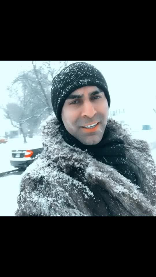 In New Jersey USA 🇺🇸... finally it's snowing... feeling cold and awesome.. #snow #dancetravel #lovesnow #snowfall #newjersey #usa #fur #furcoat #travel #danceforacause #sandipsoparrkar #roposotravel