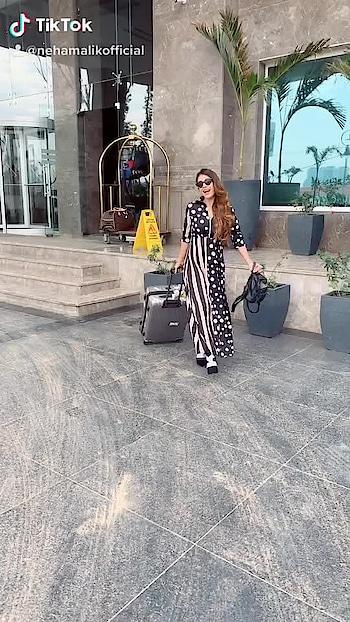 Time to say bye bye to Chandigarh.. travelling back to MUMBAI ♥️🤩 : #byebye #chandigarh #seeyousoon #mumbai #mumbaihereicome #happymorning #morningglory #randomvideo #ootd #casualstyle #travelholic #travelgirl #airportstyle #airportfashion #travelblogger #travelphotography #nehamalik #model #actor #blogger #instatravel #instagram #instafashion #instalike