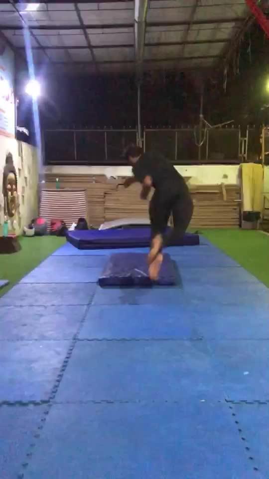 Tricking #trick #360  #flip #parkour #freerunning #martialarts 🔥🔥