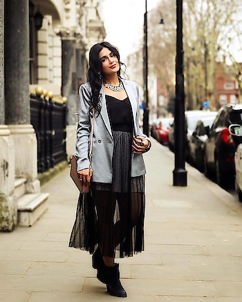 London Fashion Week Outfit  #londonfashionweek #lfwaw19 #londonfashion #londonblogger #londonfashionweek2019 #lfw #lfw19 #fashionblogger #indianfashionblogger #delhifashionblogger #ropsofashion #ropossfashionblogger  #makeupblogger #ukfashionblogger #londonfashionblogger #delhifashionblogger #delhifashionista #birminghamblogger #birminghamfashionblogger #beautyblogger #ukbeautyblogger #travelblogger #blackdress #blacksheerdress #sheerdress #meshskirt #blackmeshskirt #blackmesh #michaelkorsbag #michaelkors