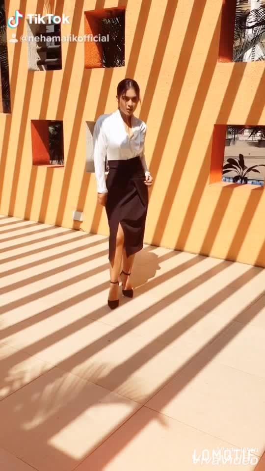Behind the scene from my new fashion blog shoot ♥️ : This amazing skirt with top from  @drobekart 🤩🤩 : #behindthescenes #bts #formals #formaldress #formallook #whitetop #blackskirt #goodhairday #shooting #shoot #shootdiaries #photoshoot #stylish #fashionblog #fashionista #fashionblogger #styleblogger #drobekart #bossbabe #boldandbeautiful  #nehamalik #model #actor #blogger #instafashion #instagood #instalike : : Mua @makeupbysanjam_  Hair @makeupbysabashaikh  PC @dhavalgajjarphotography
