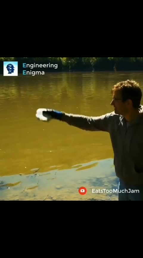 What happens when you throw a pound of Solid Sodium into a river 🔥💥⚠️ Tag your friends 🙇 Follow us @sciencesetfree  repost from  @electronicsidea @engineering_enigma 🔬 _ #engineering #worldofengineering#howitsdone #pressforprogress#mechanicalengineering #sodium#chemicals #innovation #engineers  #civilengineering #howitsmade#engineeringporn #satisfying #Ingenieria#engineeringlife #viralvideos#satisfyingvideos #Chemistry #Science#Biology #Microbiology #Chemist#engineer #Biochemistry #engineers#technology #scienceexperiment#scientists #techvideos #instagram Credit : EatsTooMuchJam (YouTube)