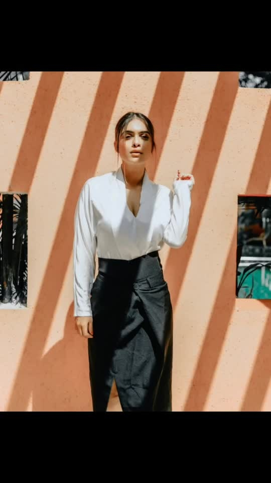 It takes immense courage to pour your heart in something the world can never understand..... 😈😈♥️♥️♥️♥️ : This amazing skirt with top from  @drobekart 🤩🤩 : #sunlight #sunshine #sunshinegirl #formals #formaldress #formallook #whitetop #blackskirt #goodhairday #shooting #shoot #shootdiaries #photoshoot #stylish #fashionblog #fashionista #fashionblogger #styleblogger #drobekart #bossbabe #boldandbeautiful  #nehamalik #model #actor #blogger #instafashion #instagood #xoxo : : Mua @makeupbysanjam_  Hair @makeupbysabashaikh  PC @dhavalgajjarphotography