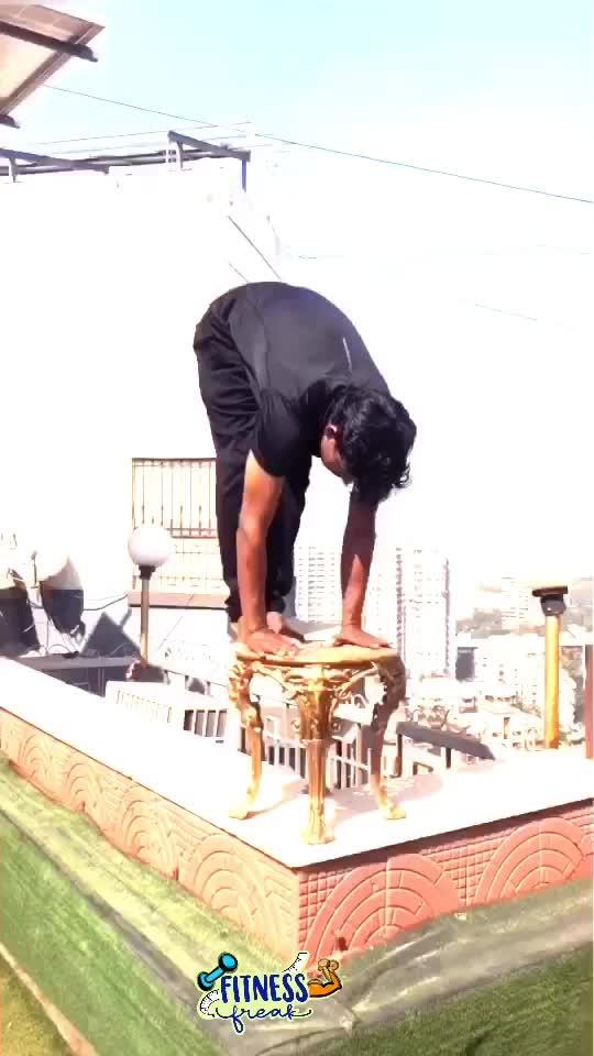 😱😱Scary handstand top of building  #handstand #-lover #fitnessfreak #gymnastic #parkour #tumbling #martialarts #roposo #roposoness 🔥🔥 #fitnessfreak