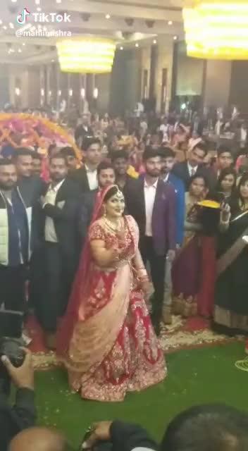 #weddinglehenga #wedddings #wedding-bride #bridesofindia