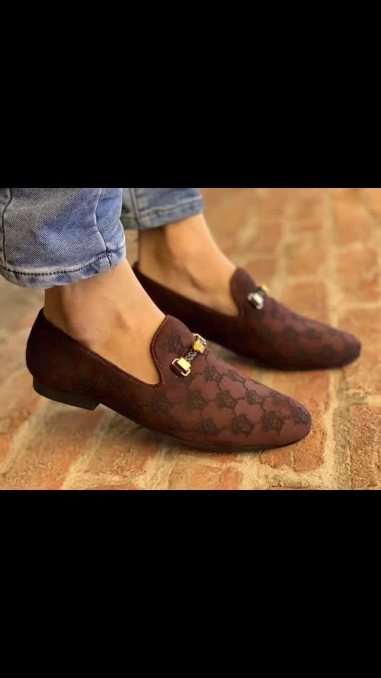 VERSACE LOAFERS☺☺ IN STOCK 👍🏻👍🏻 SIZE 7-8-9-10💖💖 PRICE 1050/- WITH FREE SHIP😇😇🌷y