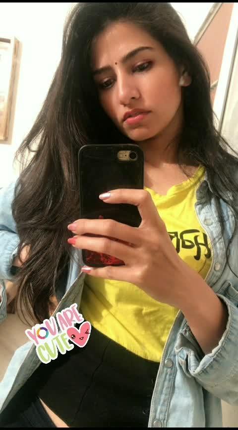 selfie 🔥  #loveing #selflove #happyday #roposo-style #stylishlook #denim #bindi #indiangirls #styleblogger #fashionstyle #roposo-style  #ropo-girl #fashionables
