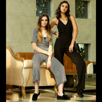 You are a complete Masterpiece, All by yourself!!!🔥 #trendarrestjumpsuits . . . . #trendarrest #trendy #trending #trendalert #fashion #fashionista #fashionworld #casual #partywear #westernwear #clothingbrand #confident #bold #striped #lacy #sassy #classy #jumpsuit #black #white #colours #instalife #instalikes #instafollows #followforfollow #likeforlikes #mondaymotivation #postoftheday