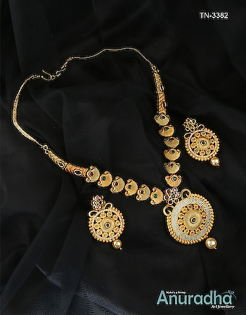 Latest Design of Traditional Necklace with Best Price only at Anuradha art Jewellery You can see the more Design and click on the link to place an order: http://bit.ly/2qqdkBz #nashik #traditionalnecklace #jewelrydesigner #fashionjewelry #daimondnecklace #totaldhamal #maharashtra