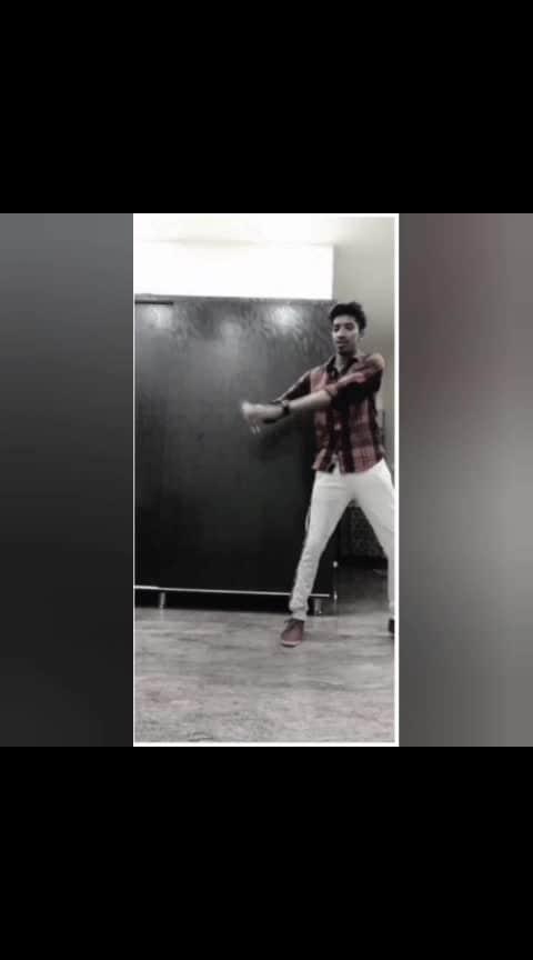 #ifeelitcoming #tigershroff #dance @roposocontests @roposotalks @anshikagrover @fehmidababa