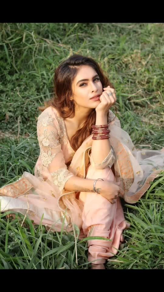 Don't settle for anyone who isn't one hundred percent sure You are the Ons .... ♥️♥️♥️✌️✌️✌️: : Photography @ilmanaazphotography1 📸📸 Mua @makeup_asfaque 💄💄 : #youdeservethebest #knowyourworth #punjab #punjabikudi #desilook #desigirl #desilove #indiangirl #indianoutfit #punjabisuit #salwarsuit #indianbeauty #sunshine #pollywood #bollywood #punjabiactress #filmy #portraitphotography #nehamalik #model #actor #blogger #instagram #instagood #instafollow #instalike #instalove