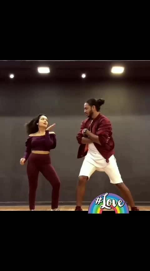 #ludokhelungi  #nehakakkarlover  #nehakakkarfans  #nehakakkar  #tonykakkar  #tony #newlatest  Neha Kakkar #roposo-dance