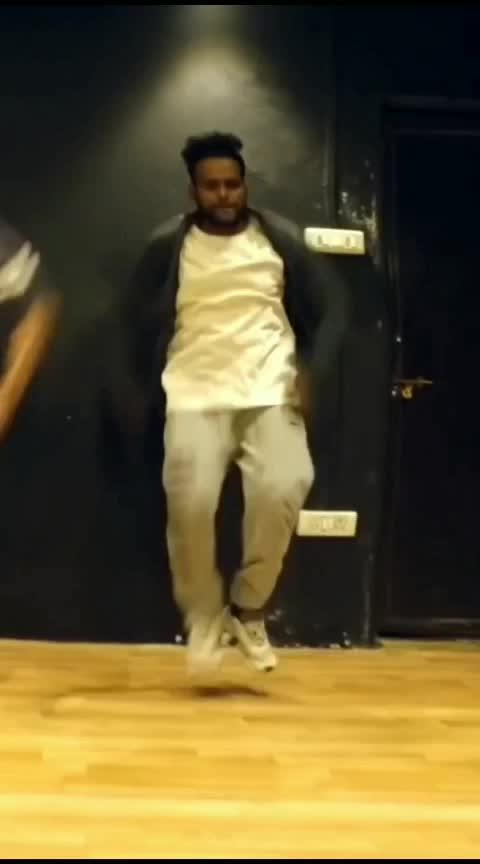 Makhna💟💟 #roposo-dance #dance #makhna #yoyohoneysingh