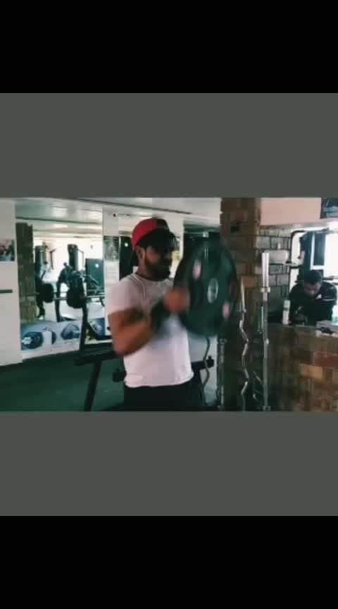 #gymfreak #motivation #shoulderworkout #desi_workout #gymlife #dedication #videolover #fitnessmodel