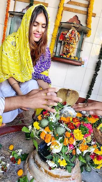 *जय जय शिव शम्भु।* *आप सभी को देवों के देव महादेव के पर्व महाशिवरात्रि की हार्दिक शुभकामनाएँ।* ॐ नम: शिवाय ... हर हर महादेव..🙌😇🙏🙏 : #harharmahadev #happymahashivratri #mahashivaratri #mahashivratri2019 #shivratri #shivratri2019 #auspicious #blessed #blessedday #fasting for #lordshiva #mahadev #shivji #omnamahshivay #blessings #prayers #godblessyouall #stayblessed #nehamalik #model #actor #blogger #instagood #instafollow #instalike #indianfestival #festivalvibes #traditional #ootd