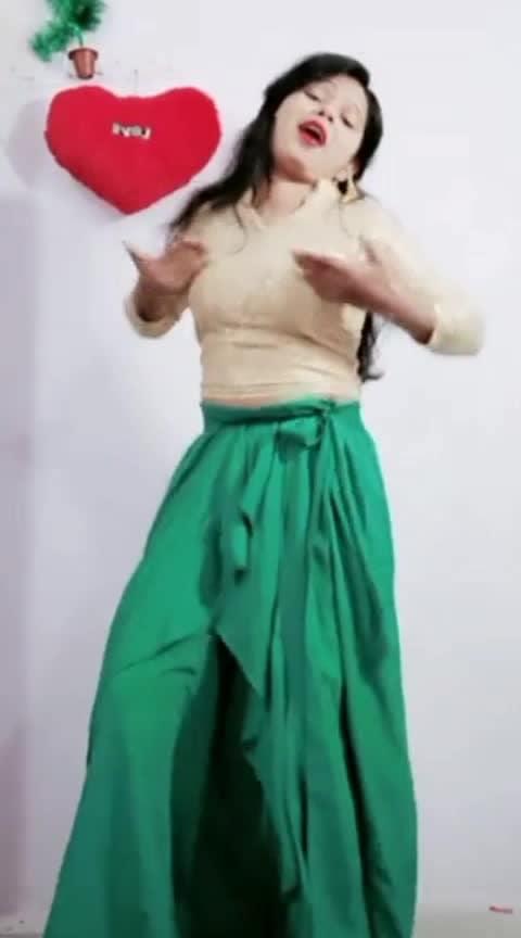Raja jabtak #song #lovesong #dance #bestsong #roposo #roposostar #fabulous #acting #reaction #roposo-dance #danceing #desi-dance #girls #ropo-girl #girls-enjoy #sexygirl #girldance