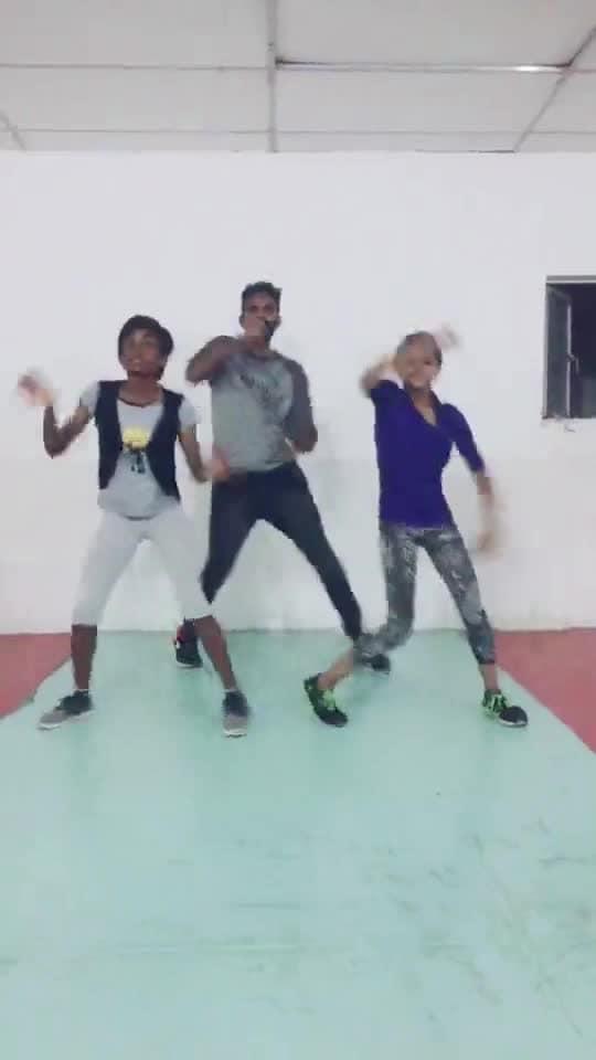 #en_uchi_mandaila #ilayathalapathyvijay #roposo-dance #roposo-style #roposostar #manibhai #cbe #coimbatore