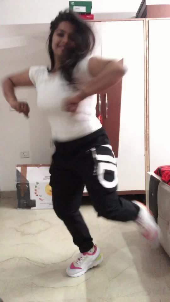 5 taraa. Bhangraaaa #featureme #panchtara #bhangra #punjabisong #punjabisongs #punjabidance #dance #video #dancewithme #roposo-dance #roposo-dancer #enjoy #gidda #roposo-style #roposo-beats #music #musicality #desi-dance #ropo-punjabi