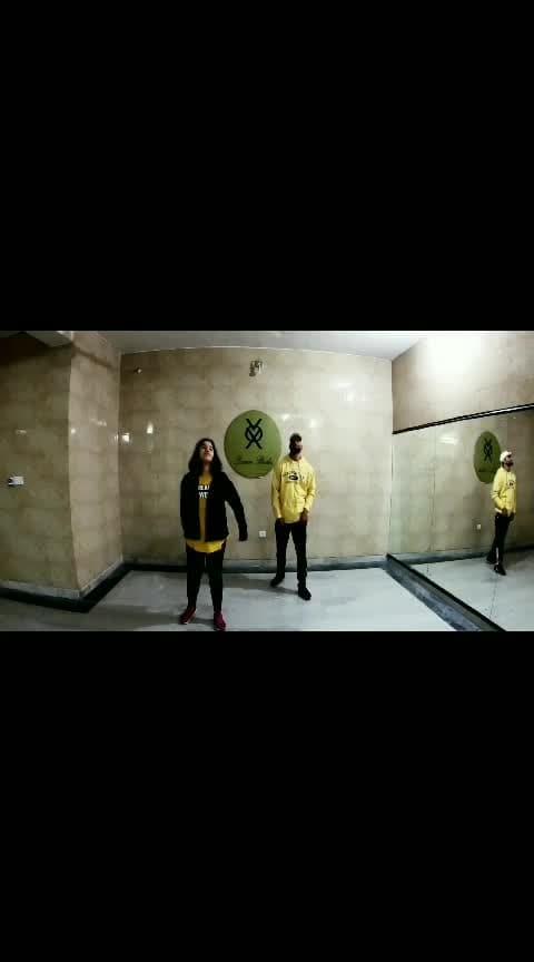 vox dance studio present now   part:- 1  new➡️Choreographey by ajayverma @ajayverma19999 performance with👇 student @kanishka3969 🎶 Music :-@djsnak  - taki taki ft. @selenagomez06 @imcardib Evening batch  Timing :- 7to8 Contact :- 8112266334 @roposotutorial @roposocontests @roposotalks @roposocontestnew  #voxdancestudio #dance #roposo #roposo-dance   #roposo-dancer  #danceclass  #evening  #batch #choreography  #takitaki #takitakichallenge  #cardib  #djsnake  #groves  #moves  #newschool  #hiphop  #music  #jaipur  #vaishali #nagar