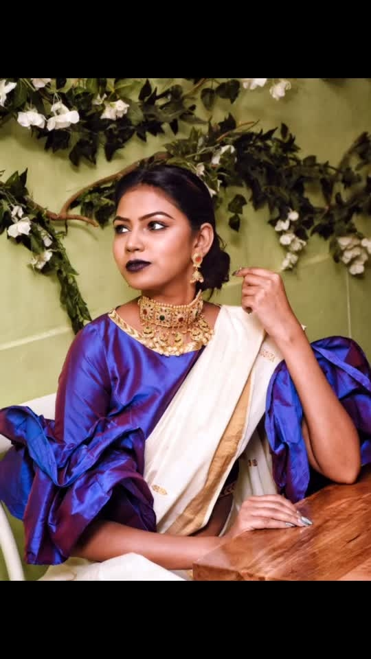Jewelry is something that has to do with emotion. That aspect of jewelry really interests me. Styled on saree with fashion blouse which we can wear as a crop top too.. it has turned so beautiful. Fashion accessory added to look more beautiful 💜 @sukkhi_jewellery  _ #DevkiDhuriaXSukkhiJewellers #thesnazzydiva #sukkhijewellery #sukkhi #fashionjewelry #fashionaccessories #instafashion #instastyle #chokernecklace #choker #chokerstyle #chokerlove #mumbaifashionblogger #beautybloggers #jewelrydesigner #jewellery #jewelerygram #jewelryaddict #jewellerymaker #jewellers #jewelryartist #southindiansaree #indianlook #padmavatijewellery #fashionblouses #croptop #padmavatiearrings #instalove #necklace #earings #roposoness #roposolove #soroposolove #roposomumbai #roposofeature #roposo-makeupandfashiondiariesthe #roposojewellery #roposojewels #roposomumbaitimes #roposofeature #soroposofashionista #roposoindianblogger #ootd #roposocool #roposolook