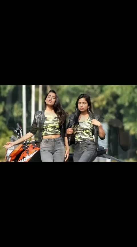 with @rugeesvini 💕 always twining . .😋 #tuhihai  #mahiya    #duet  #likeshare  #gima_ashi ✨
