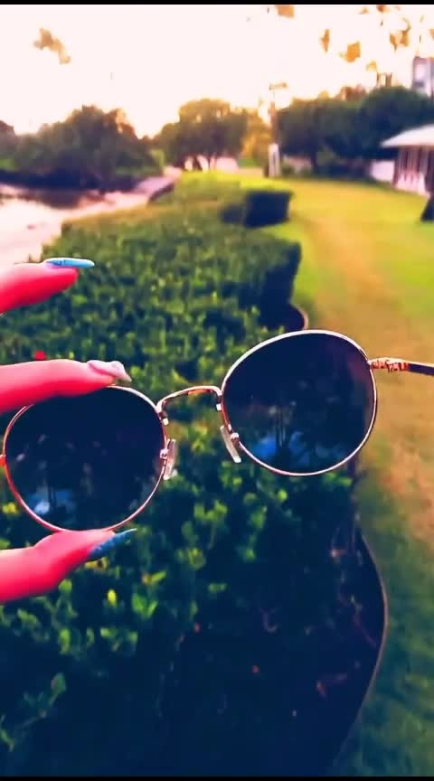 ...music... time... #music #roposo #roposo-good #best-song #glasseslove #summer-style #summervibes #mallu #freakytunes #roposo-music #thebest_capture #best-intro #summerdays #roposovibes