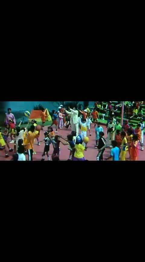 भीड़ में भी थी तन्हाई #shahrukh #kasol #hits #shahrukhkhanfans #kajoldevgan #old_song #roposo-bollywood #bollywood #filmysthan #latest #hearttouchingsong #iloveyouu #hearttouchingmoment #filmysthan #latest  #hearttouchingstatus  #filmykeeda #closing nite asian world film festival   #kuchkuchhothahai  #kuchkuchhotahai