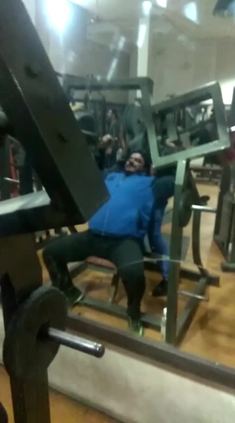 🏋️♂️Machines Over head front press (shoulders) Done 110Kg by me🏋️♀️#motivation#gymoholic#shoulder#musclegain#gymlife#gymvideos#gymgoals#india#punjab#AtGhuman#Dengym🏋️♀️