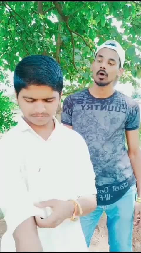 Gun De Gun😂 #roposostar #comedy #dhamaal #jaavedjafri #roposostars #roposo #haha #best-friends #mimarathi #roposo-funny #gungun #fimykeeda #filmysthan #roposo-hindi #hindicomedy #myactingskills #marathimulga#foryou #dhamaal_movie_comedy_scene #roposo-foryou #foryoupage