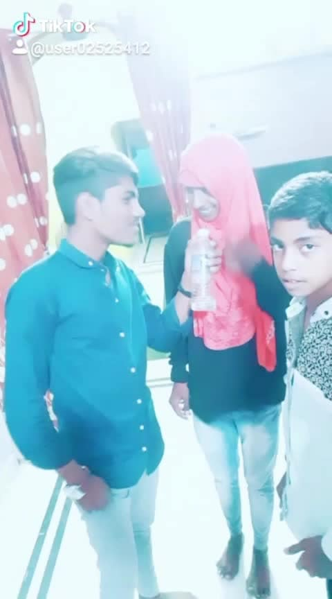 funny video #shareyourstyle #roposo-funny-comedy