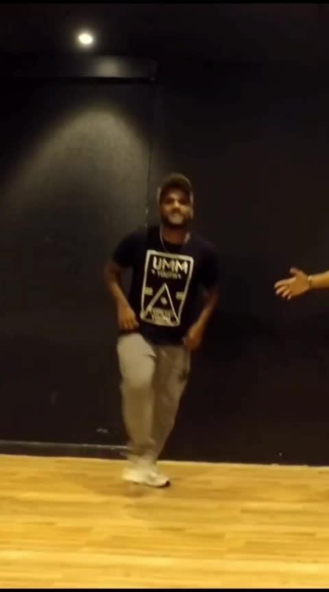 Taki Taki💙💙 #roposo-dance #dance #roposo-beats #beats #roposostar #dj-snake-taki-taki-ft-selena-gomez-ozuna-cardi #takitaki
