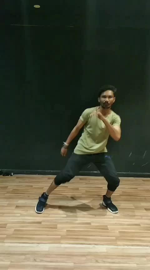 #nakhranawabi  #hiphopdance #bollyhop #dancelife #dancerslife #dancersofinstagram #freestyle #trendeing #india-punjab #punjabi_trendz