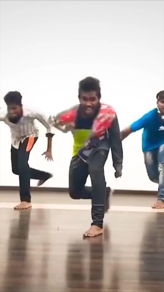 Siva Karthikayen 😍❤️😘 #ropso #ropsodancer #ropsolove #roposostar #roposofun #roposorising #vijay #thalapathy #love #dance #roposodancer #roposodancing #roposo-style