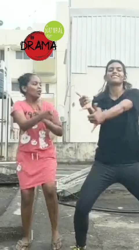 #roposoness #roposoers#roposobeats #roposomoves #beats #moves #sistersday #lil_one #roposomood #roposohits #ropogal #craycray #girlgang #dramaqueen  #milegi-milegi  🤙🤙