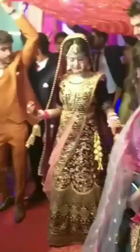 #bride #enjoying #dance in he #wedding while bidaai