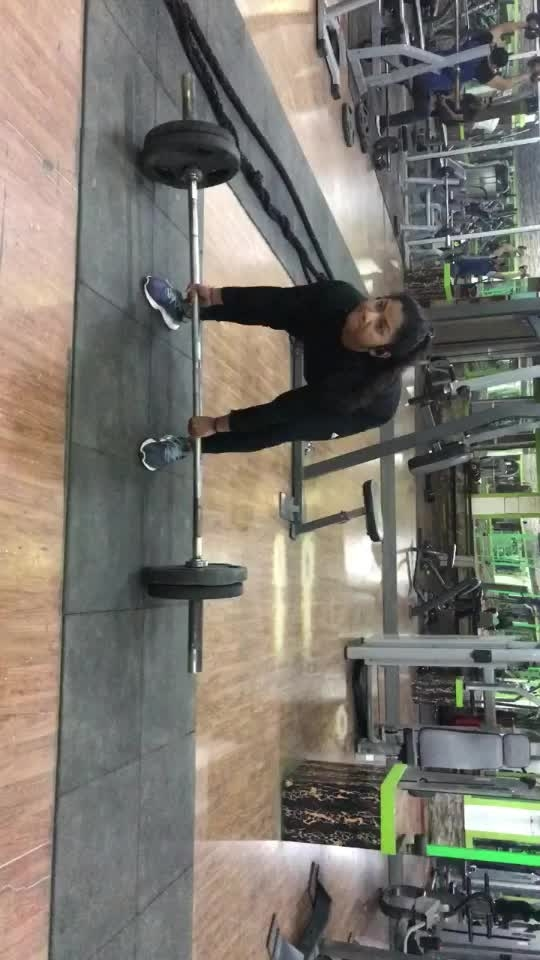 #featurethisvideo #deadlifts #weightlifting #stronggirl #girlwithmuscles #gymworkout #workoutmotivation #roposo #roposostar #roposostars #gabru_channel #risingstaronroposo #roposo-rising-star #risingstars #gabru