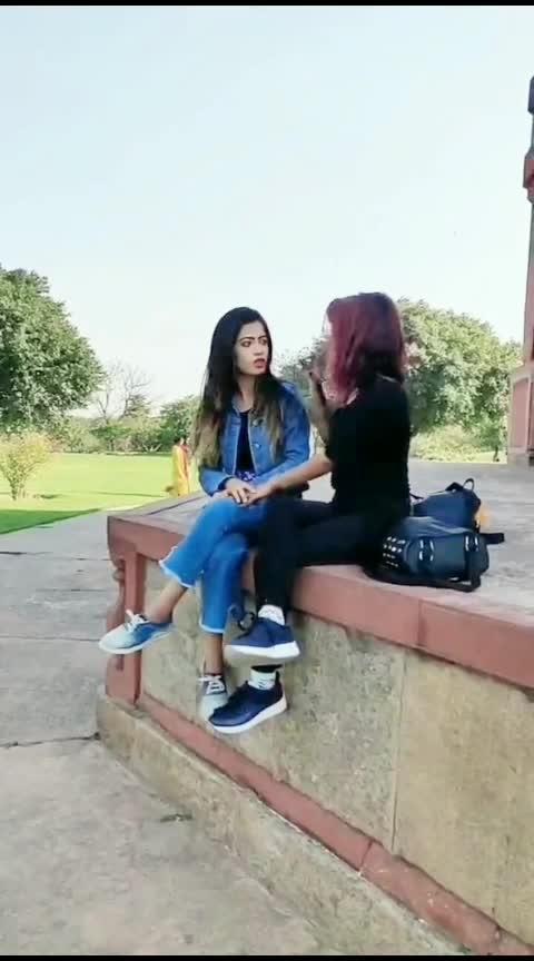 crush 😂#risingstars  #feature  #rising_star_on_roposo  #dramebaaz  #roposo-comedy  #prank