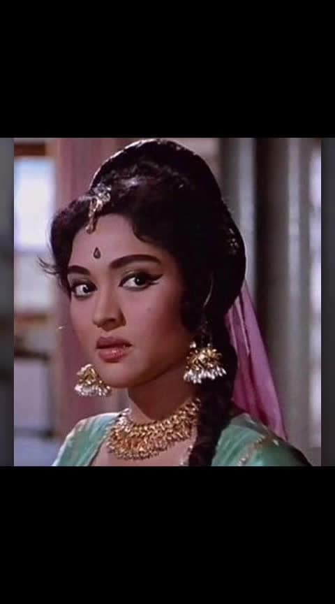 #vyajyantimala ....#bestactress #old-is-gold-songs #oldpic #ropo-beats #my-post #my fav😘😘😘😘 #best-song #ropovideoenjoy