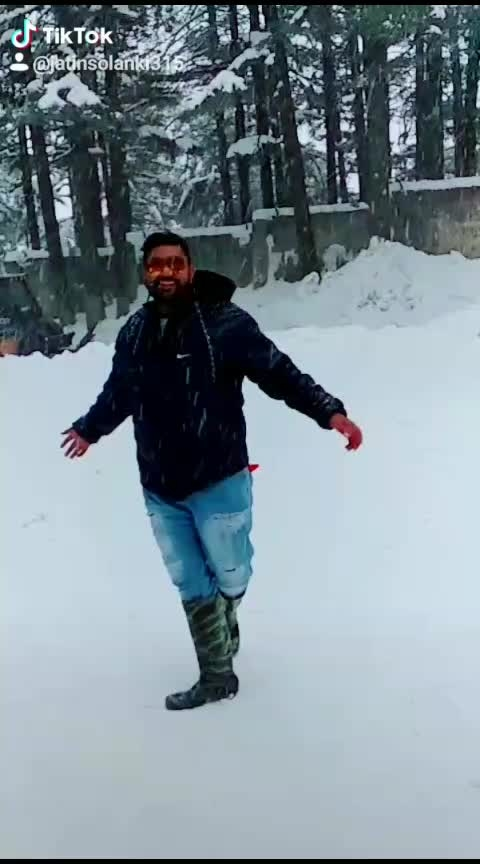 #chehra_tera #snowfalls 💕💕