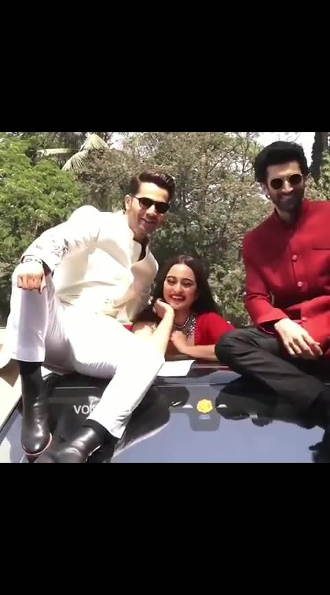 Filmy AF entry by dem boys and the diva 💥💥 Yaaaaaas Sona looked pretty pretttaayyy as she clambered out of the sun roof for a posing sesh with the boys... and the way VD slides down! Ek number ☝️  #bollywood  #varundhawan  #sonakshisinha  #adityaroykapur  #bollywoodstyle  #bollywoodfashion  #mumbaidiaries  #delhidiaries  #sonakshisinhafashion  #sonakshian  #varun  #varundhawanfans  #adityaroykapoor  #kalank  #mastitime  #indianactress  #bollywoodactress  #bollywoodactresses #party #love #song #dance