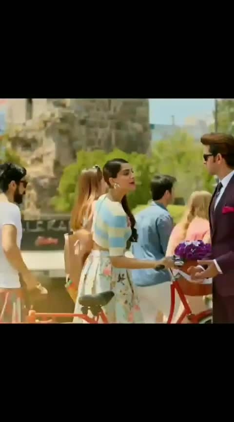 superb song 👌👌😍 😍  #hrithikroshan #sonamkapoor #dheere_dheere_se_zindagi_me_ana #yoyohoneysingh
