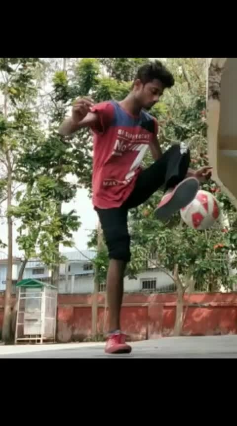 breathing #football freestyle #tekkers #skills #wowtv #roposostarchannel #roposlove