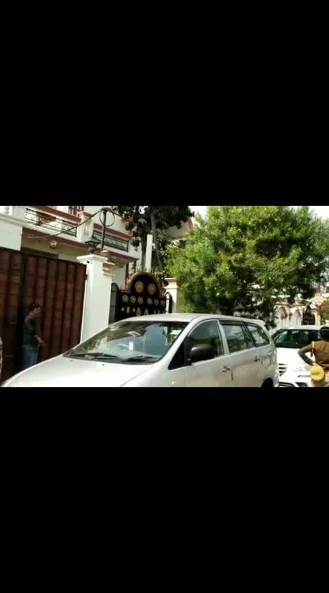 CBI ने लखनऊ में मायावती के करीबी रहे आईएएस अधिकारी नेतराम के घर की छापेमारी ,मचा हड़कंप  #mayawati #trendinglive #roposonews #bsp #ias #iasofficers #uttarpradesh #cbiraid #cbi   please gift and follow for more news