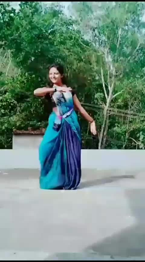enjoy the beauty of the nature through dance❤#roposo-dancer #roposolove #malayalam #roposorisingstar #featureme #featurethisvideo #classic-beauty #classical #trendeing