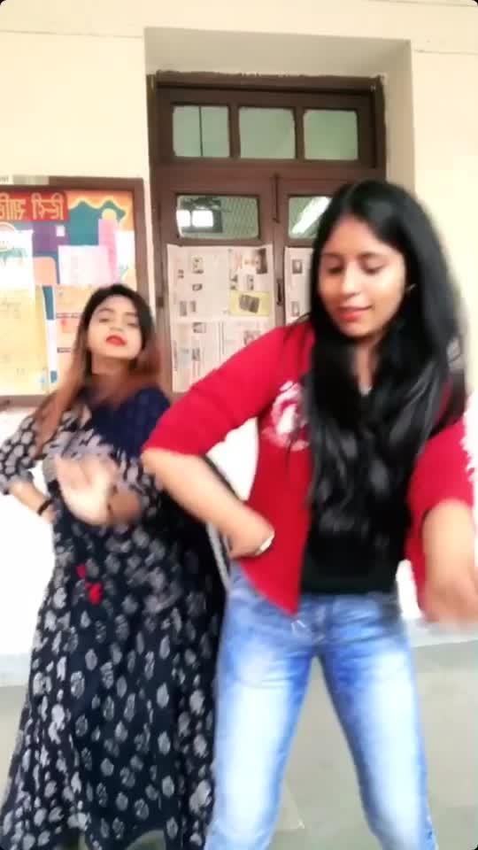 #laembergini #punjabisong #bhangra #punjabi #roposostars #featureme #featurethis #roposo #friendshipgoals #roposoapp #dance #dancevideo