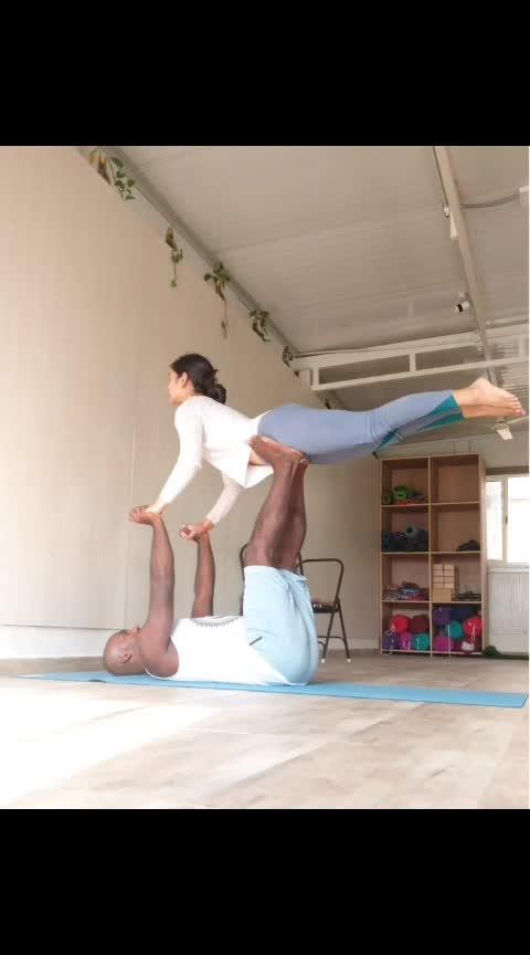 Do something out of your comfort zone today  . . . . . #yoga #yogafun #acroyoga #yogaeverywhere #yogaanytime #yogamotivation #yogamoments #indianyogis #yogafitness #yoga4roposo
