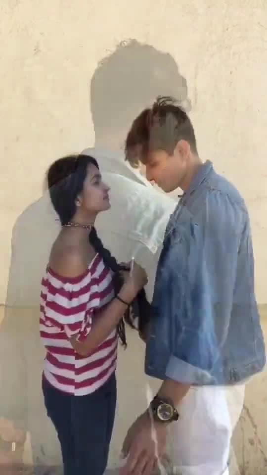 Mujase shaadi karogi ? @zeeshankhan87 #love #roposoness #roposo-fashion #roposo-mood #ropo-beauty #trendeing #viral #mujseshaadikarogi #pyaar #romantic #brautiful #girl  #boy #couple #cute #cutecouple #bollywood #song #romance #mumbaifashion #mumbaikar #indian #styledairies #lifethoughts #happymove