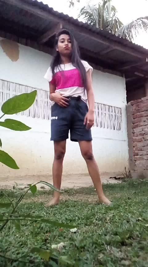 #badrikidulhania #holispecial #holideals #happyholi2k19 #assamgirl #roposo-dancer #roposo-dance Roposo @roposotalks @roposocontests #hiphopdance